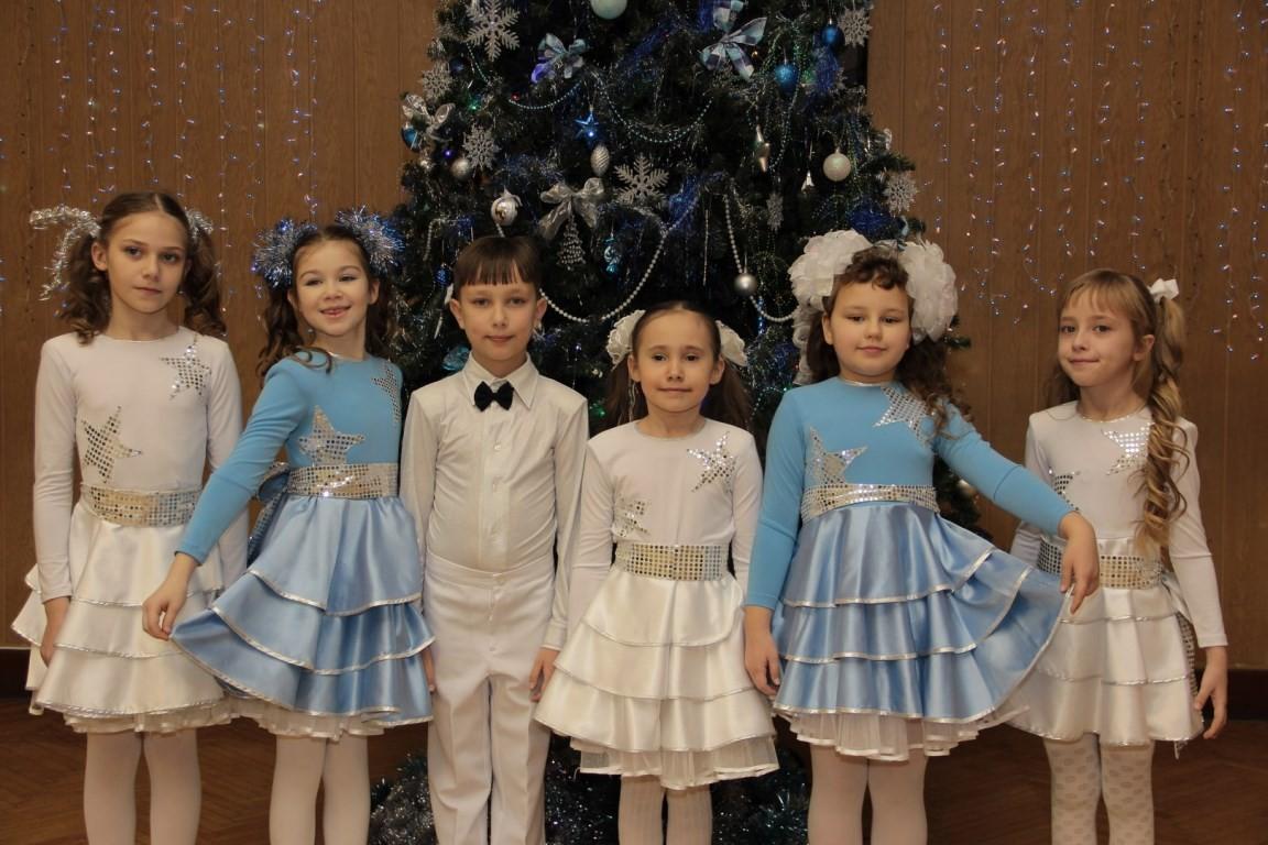 Новогоднее представление в школе 948.